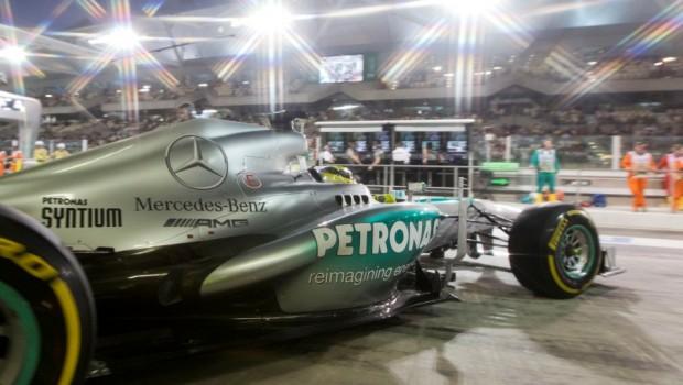 Mercedes-AMG-Petronas-F1a1-620x350