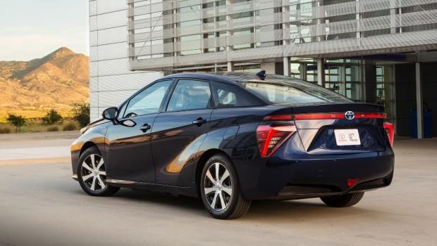 Toyota-Mirai-FCV-4-620x350