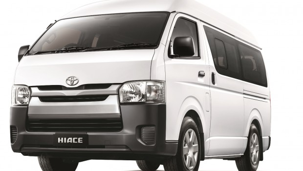 Toyota-Hiace-Window-Van-620x350