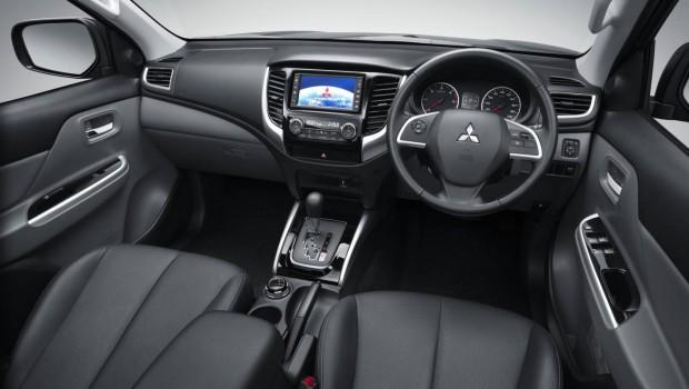 Mitsubishi-Triton-interior-620x350