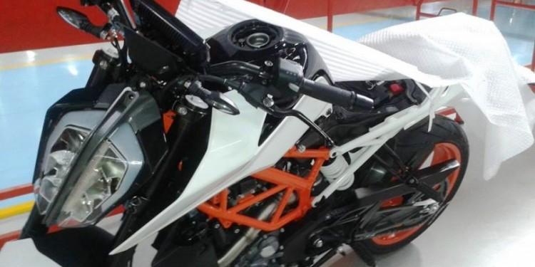 KTM 390 Duke Spy shot