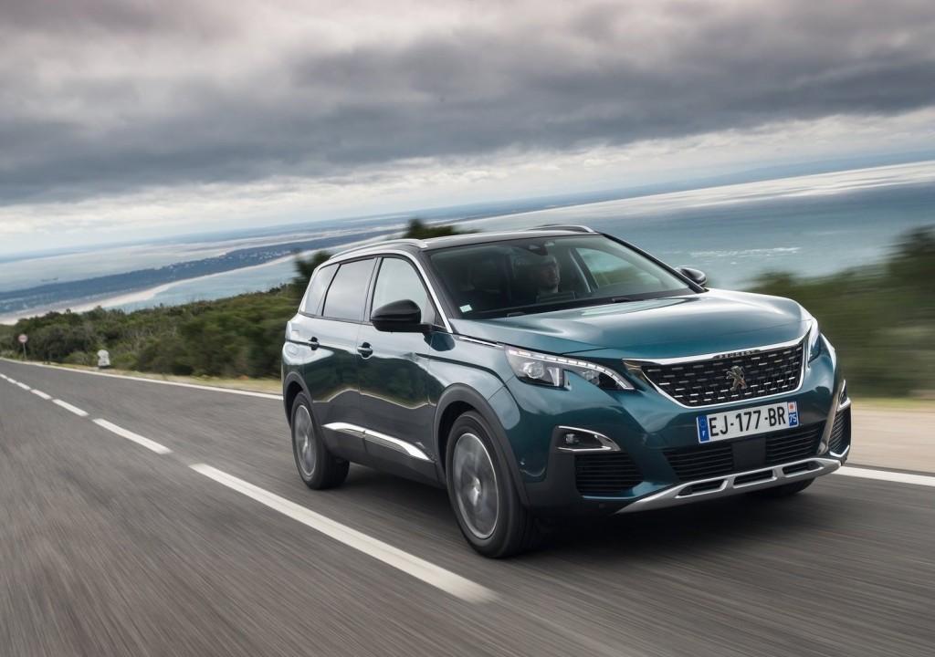 Peugeot-5008-2017-1