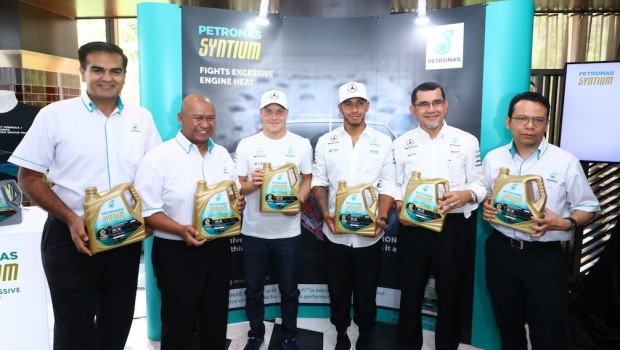 PETRONAS-Syntium-with-°CoolTech-F1-Driver-Engagement-1-620x350