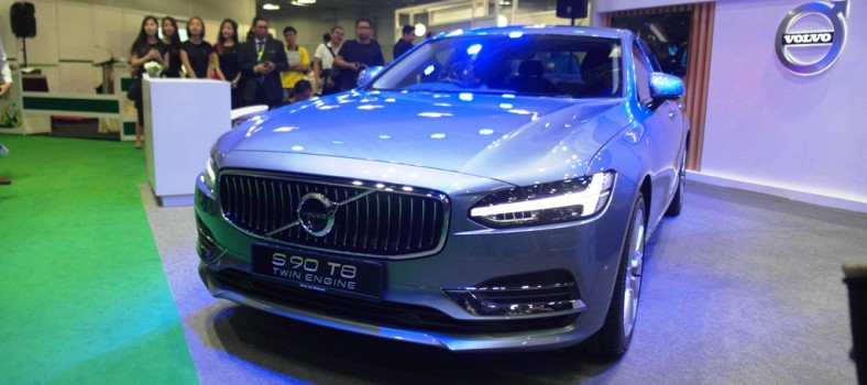 Volvo S90 T8 CKD