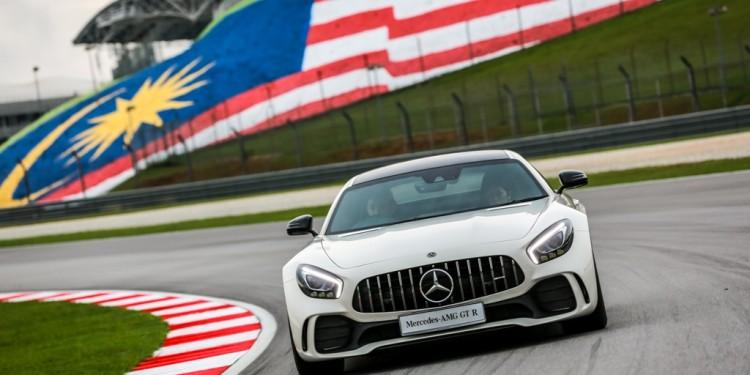 Mercedes-AMG GT R (1)