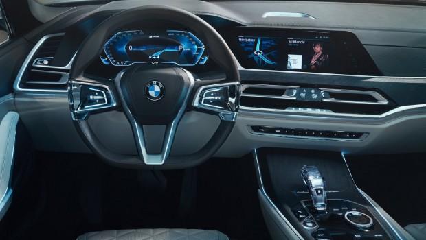 BMW-X7_iPerformance_Concept-2017-1280-0d-620x350