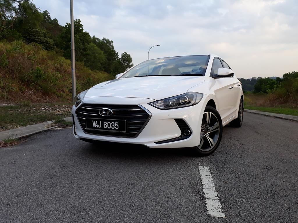 Hyundai Elantra review 21
