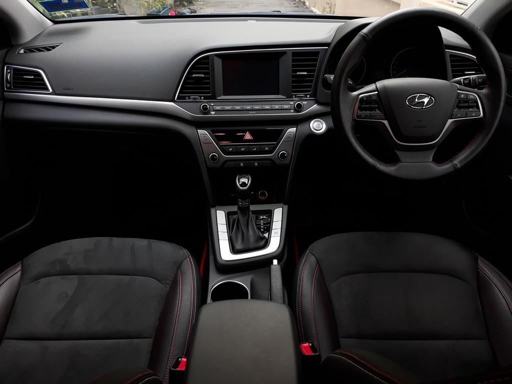 Hyundai Elantra review 25