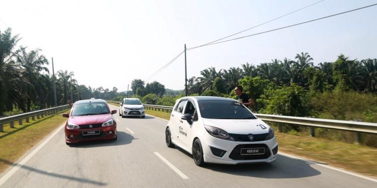 05 PROTON 1-Tank Adventure_KT_On the Road