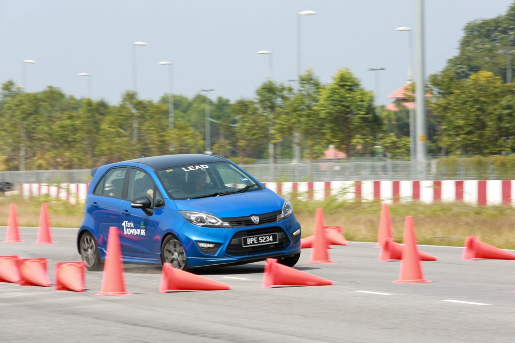 09 PROTON 1-Tank Adventure_KT_Dynamic Driving Experience