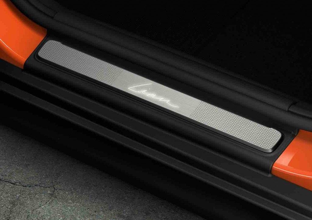 19. MINI Yours Customised - Side Sill