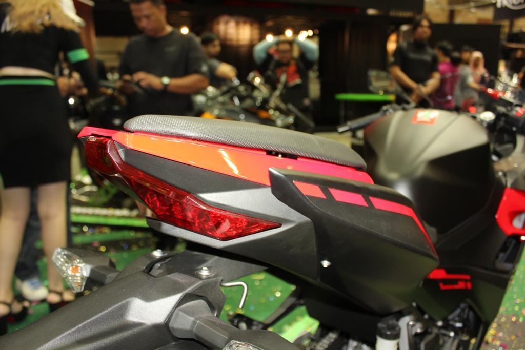 2018 Kawasaki Ninja 250 06
