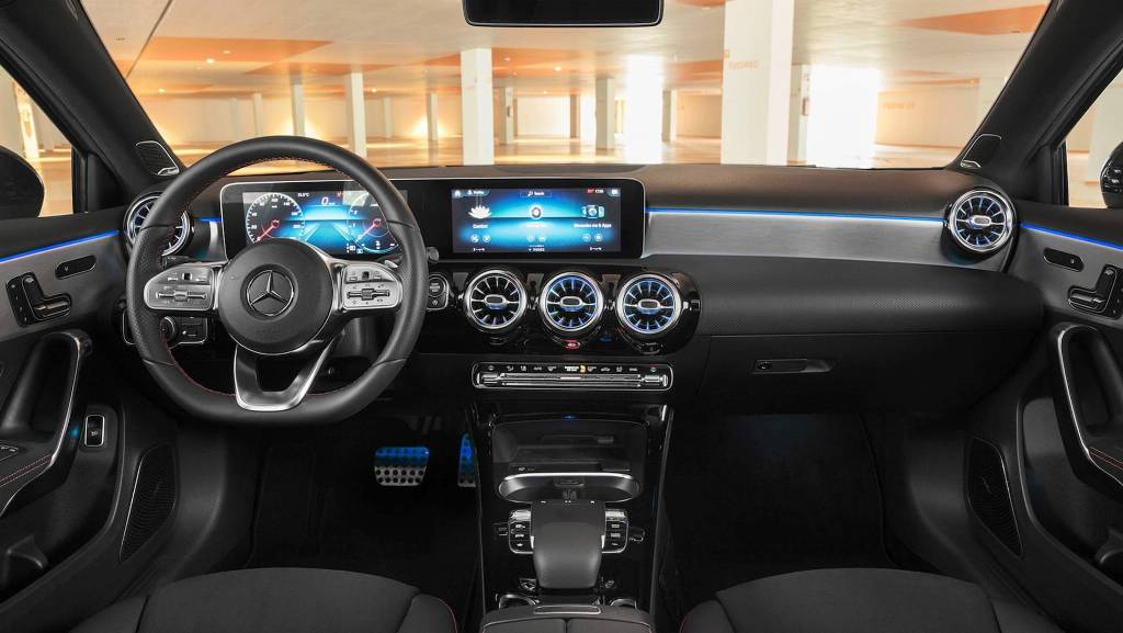 2019-mercedes-benz-a-class-sedan (3)