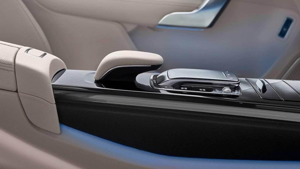 2019-mercedes-benz-a-class-sedan (4)