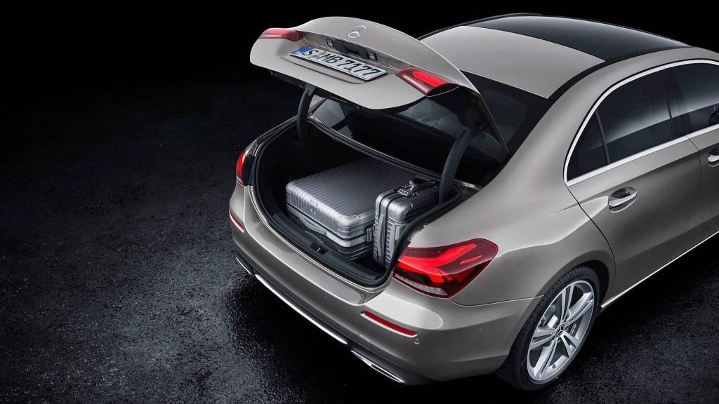 2019-mercedes-benz-a-class-sedan (5)