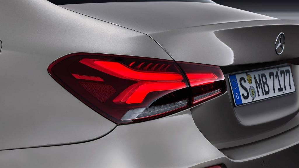 2019-mercedes-benz-a-class-sedan (6)