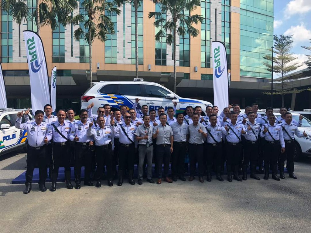 CEO of MMM Mr. Shinnishi together with PDRM force
