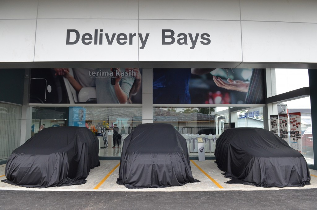 Delivery bay
