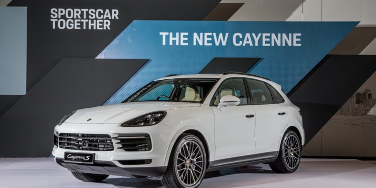 Porsche 2018 Cayenne S-9