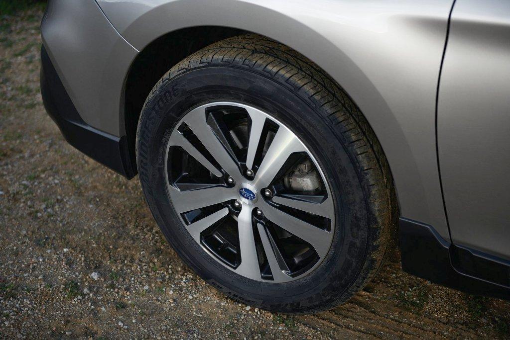 Subaru Outback tyre