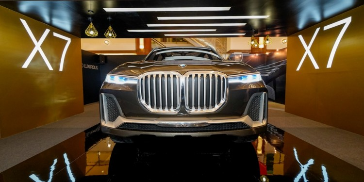 The BMW Concept X7 iPerformance (2)