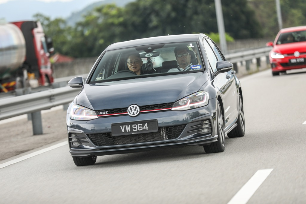 Volkswagen Golf 2018 Media Photos-27
