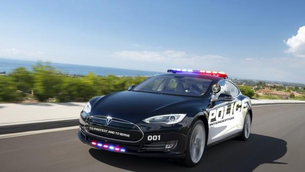 tesla-model-police-620x350
