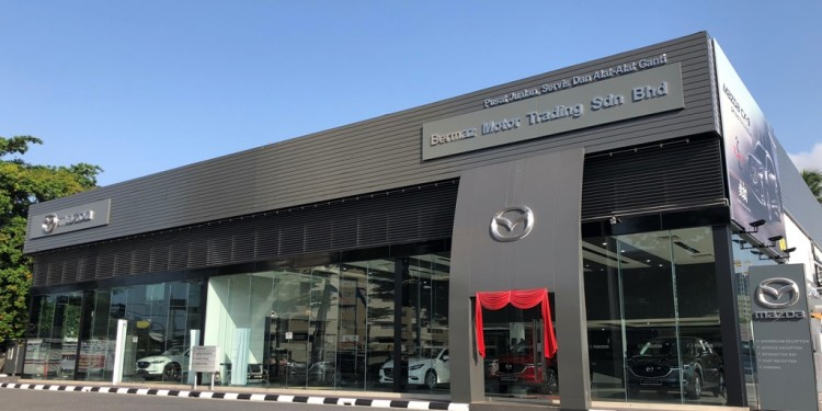 Mazda Jelutong 3S Centre Showroom 1