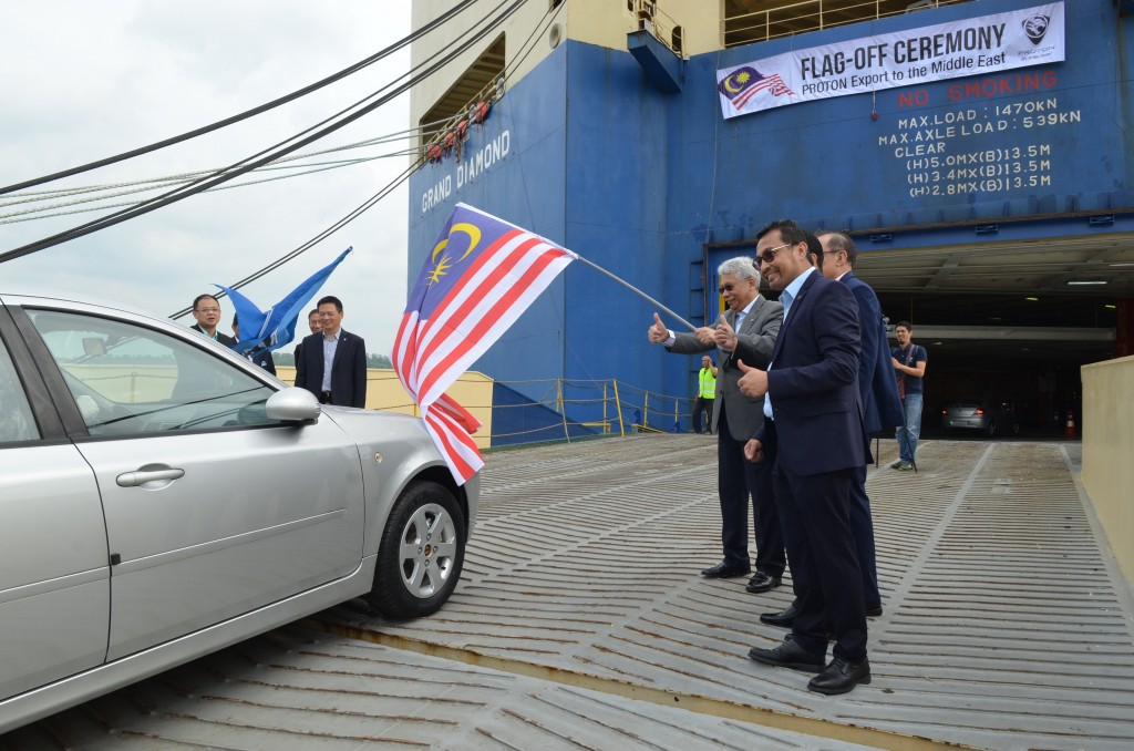 PROTON resumes  export to the Middle East recently. From right, Abdul Rashid Musa, CEO  of PROTON Edar, Datuk Radzaif Mohamed, Deputy CEO of PROTON and Dr Li Chunrong, CEO of PROTON.