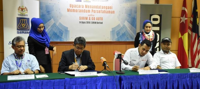Photo 1 - MoU Signing