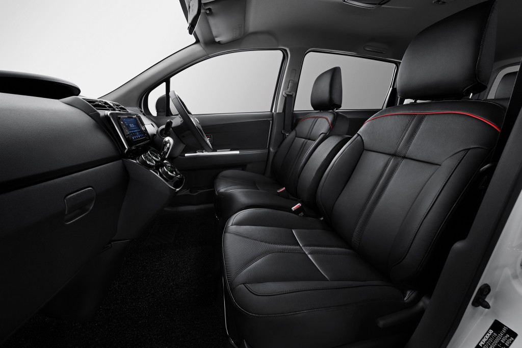Alza AV_2018_New Front Seat Leather Design