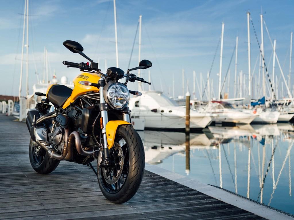 Ducati Monster 821 01