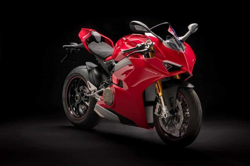 Ducati Panigale V4 S 01