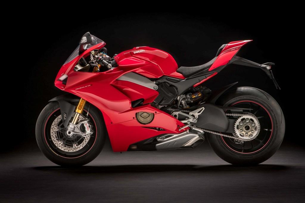Ducati Panigale V4 S 04