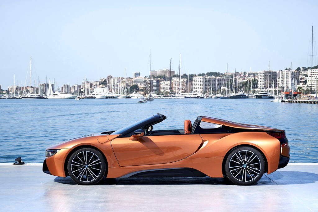 The First-Ever BMW i8 Roadster (16)