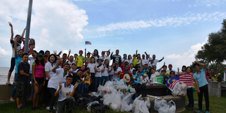 22 NNN Beach Clean Up_Group Photo