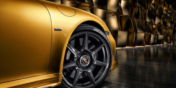 Porsche-braided-carbon-fibre-768x433