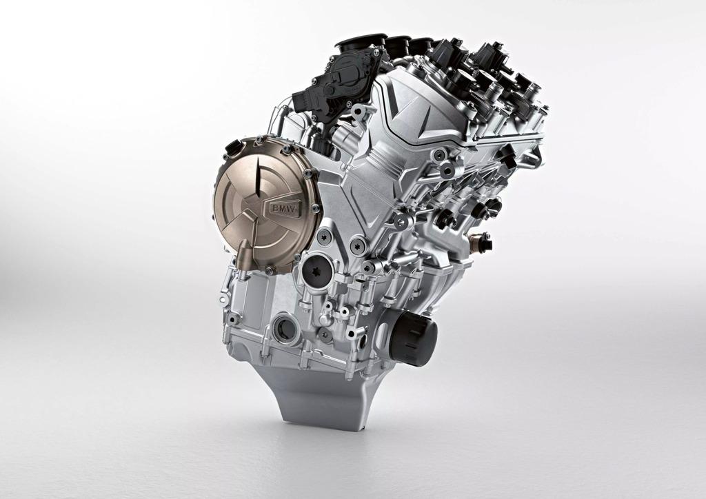 2019-BMW-S1000RR-41