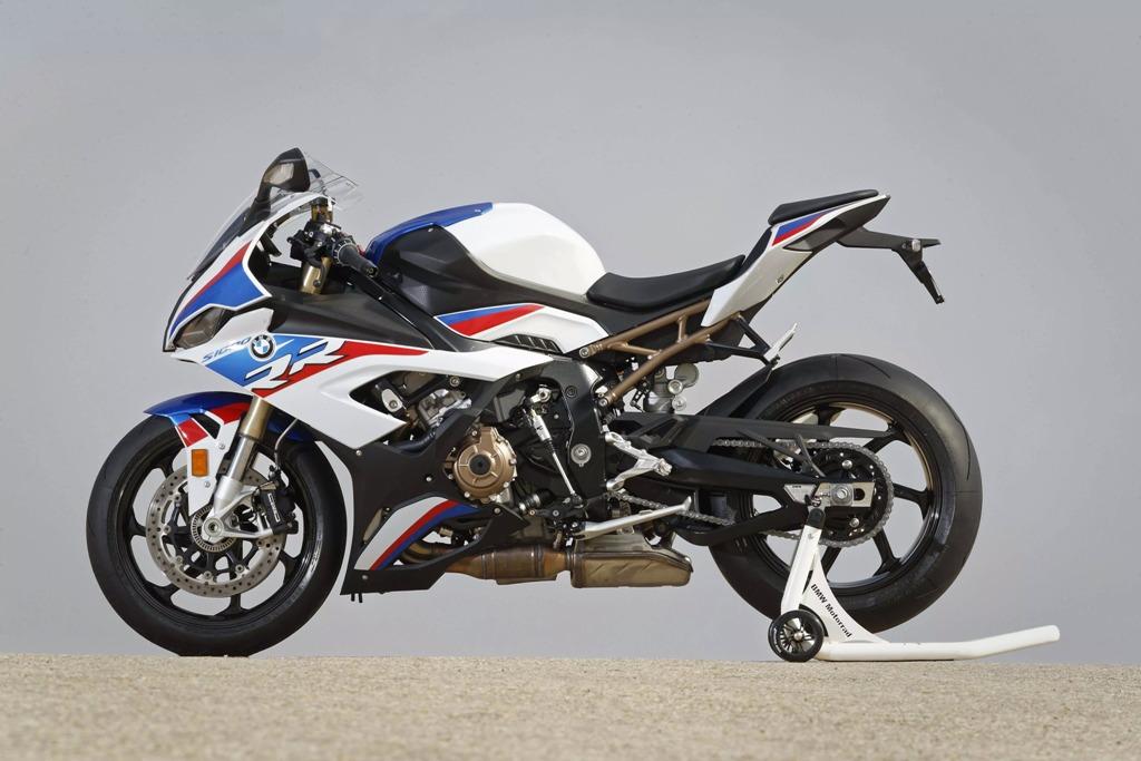 2019-BMW-S1000RR-69