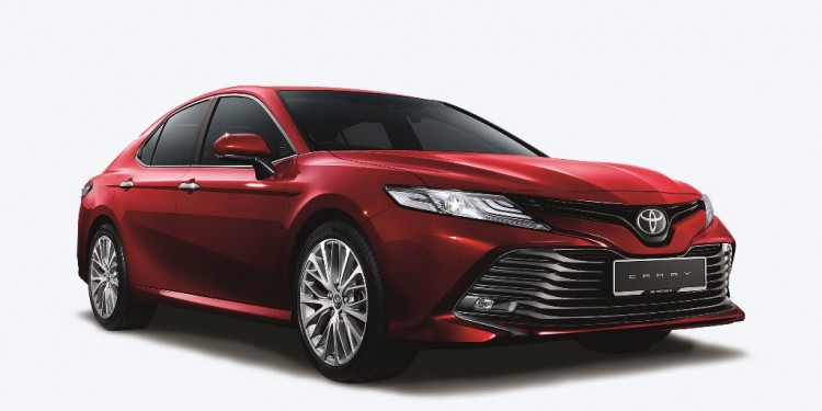 All New Toyota Camry _ quarter front view red Hires _Red