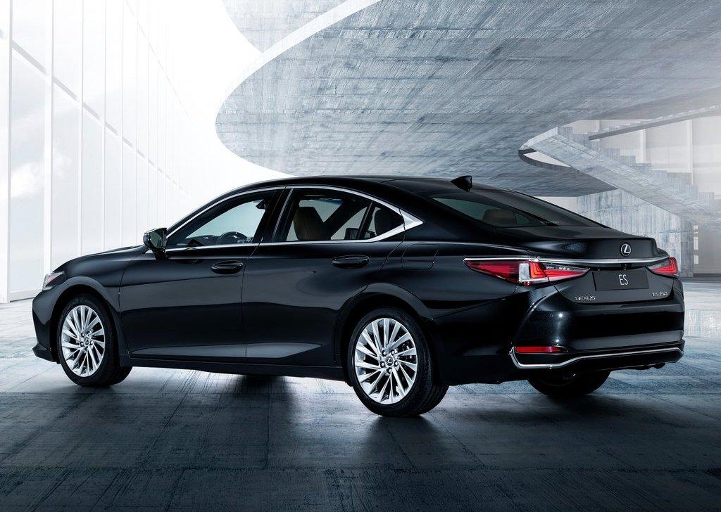 Lexus-ES-2019-1024-43