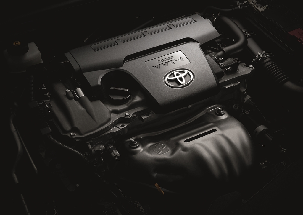 Toyota Camry 004 Engine Bay