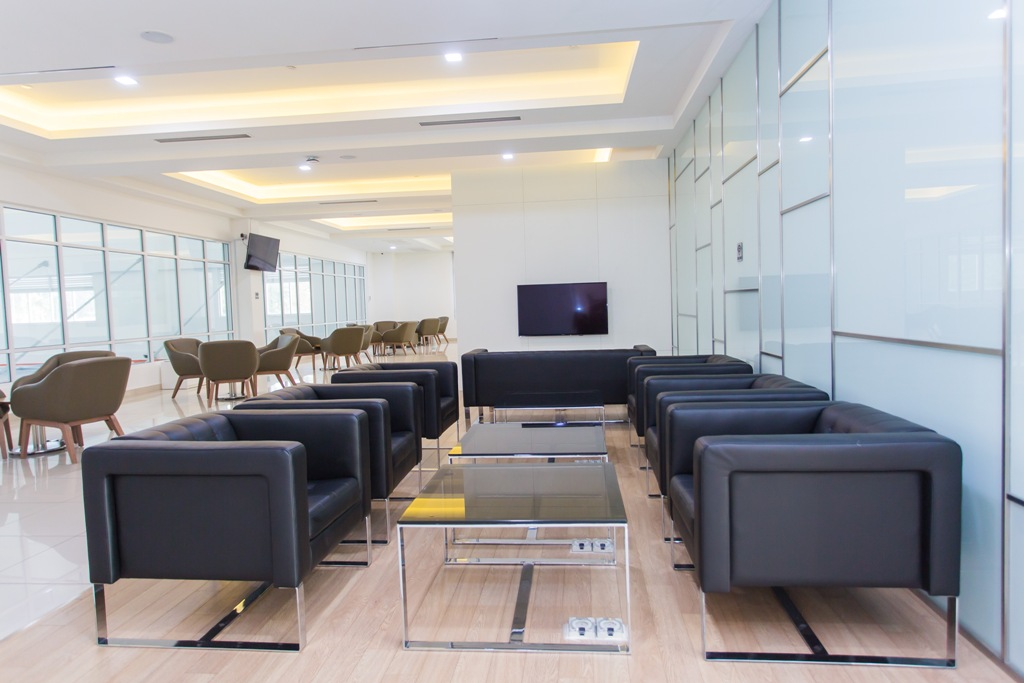 06 Yong Ming Motor Sdn Bhd has comfortable lounges for customers to relax in or catch up on work
