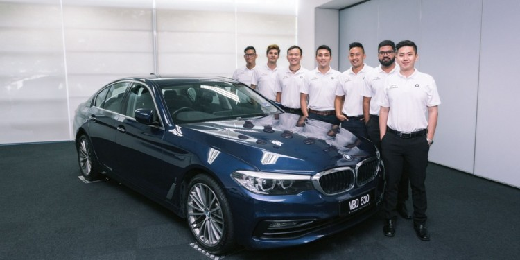 BMW Product Geniuses Deliver Personalised Customer Care (2)