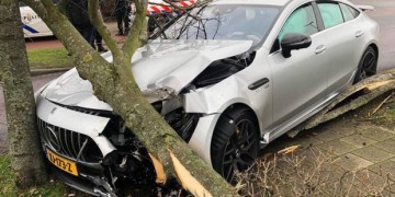 Mercedes-AMG-GT-63-S-accident2-620x350