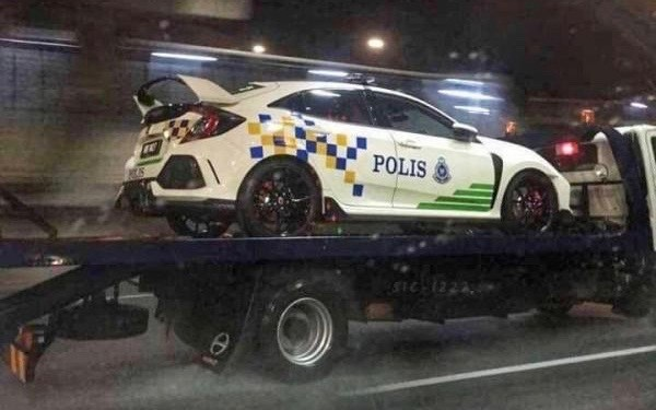 Honda-Civic-Polis-Type-R-2