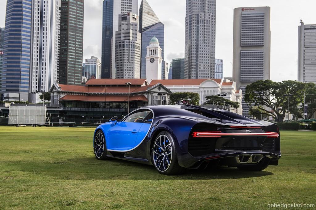 Bugatti Chiron 12