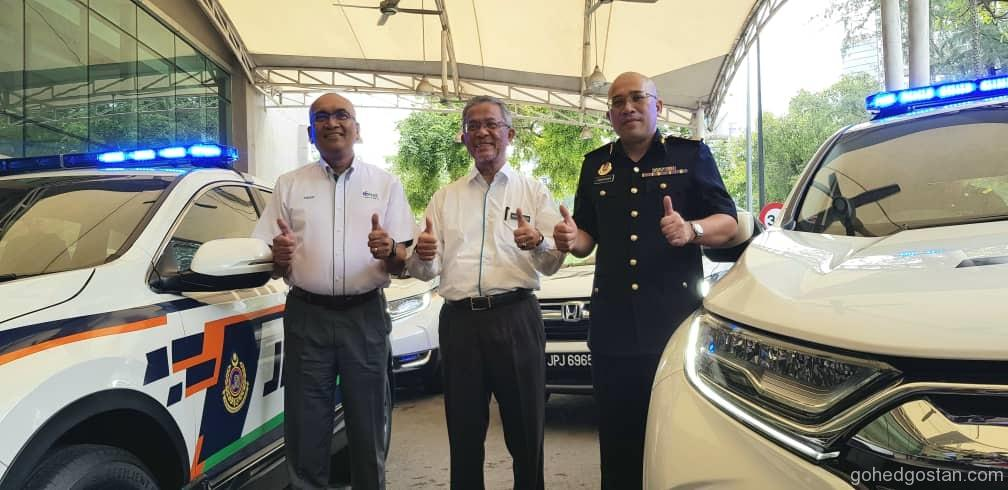 From left  PLUS Managing Director, Datuk Azman Ismail, Deputy Minister of Transport, Dato' Haji Kamarudin Jaffar, Deputy Director General of RTD, Tuan Zamakhshari Hanipah
