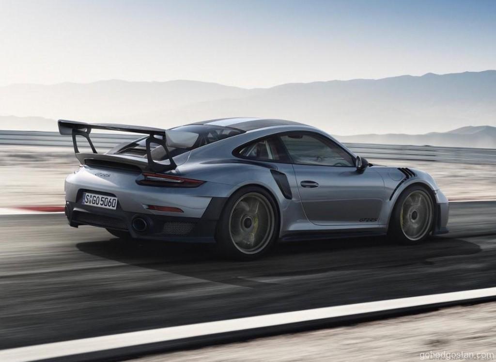 Porsche-911-GT2-RS_3