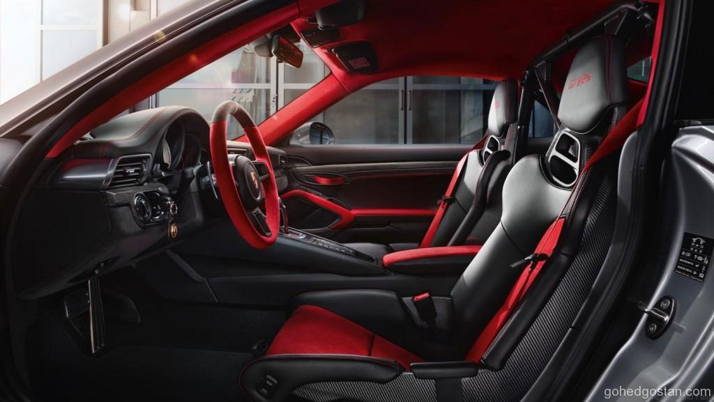 Porsche-911-GT2-RS_4